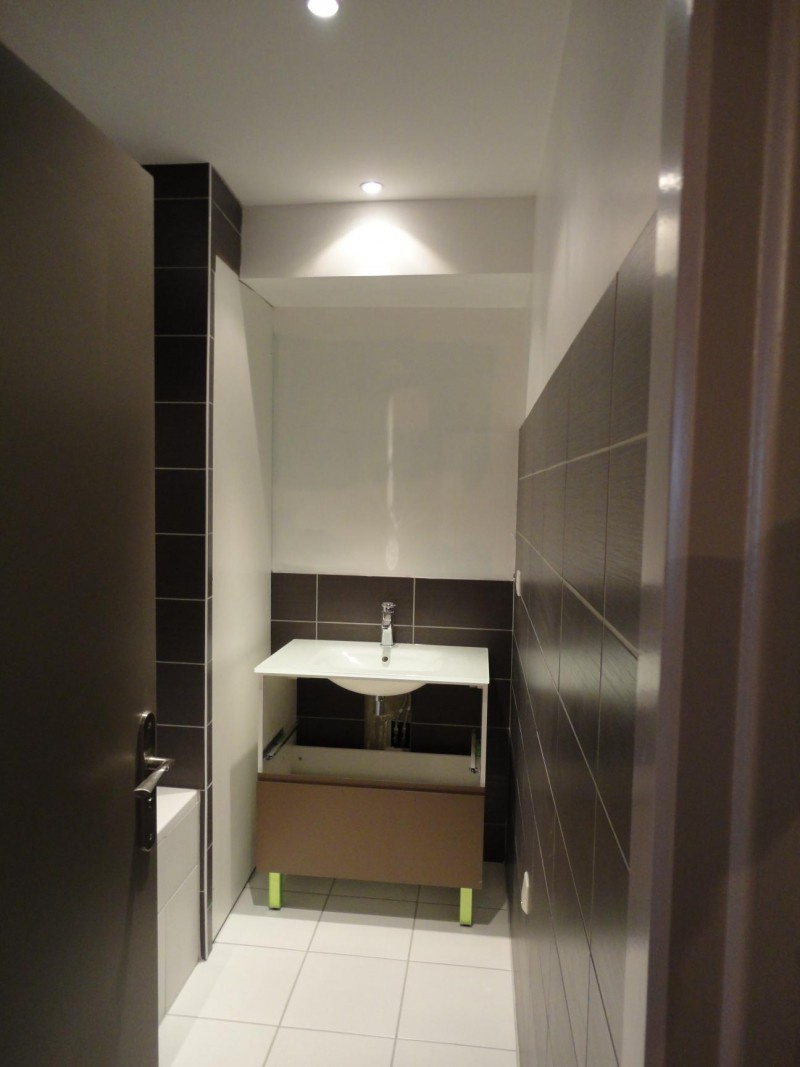 salle de bains baignoire   meuble une vasque
